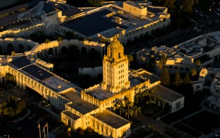 Beverly Hills City Hall Aerial View Sunset - Los Angeles Stock Photos